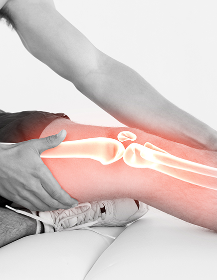 Want to understand what causes knee pain and how to treat it? The top knee pain specialist in New Jersey answers your questions. Visit us for answers and solutions.