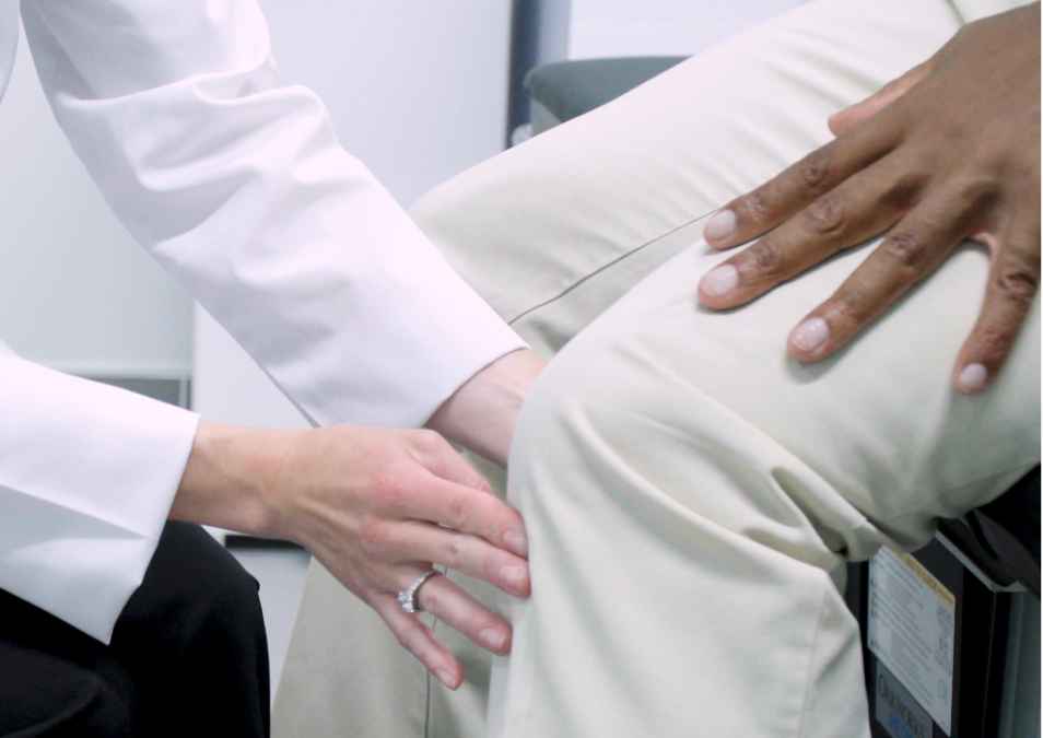 How to Select Knee Pain Treatment in Manhattan
