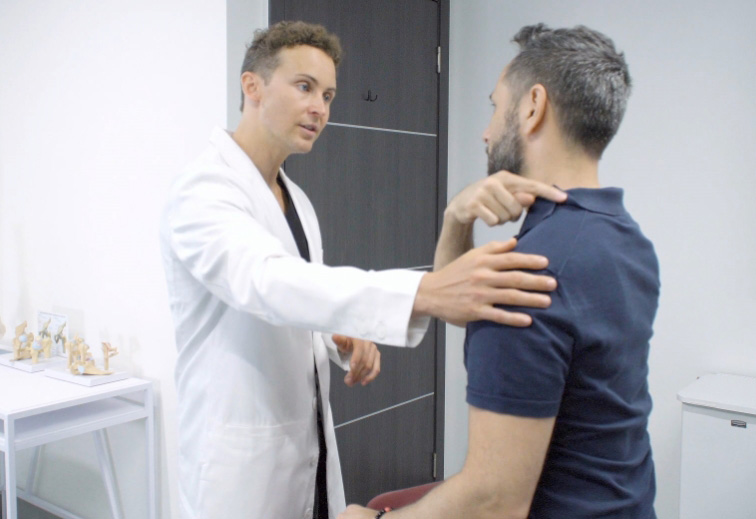 Looking for the best neck pain doctor new york? These expert doctors provide the latest minimally invasive treatments. What are the best treatments for neck pain?